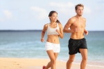 Couple-running-Sport-runners--44935393